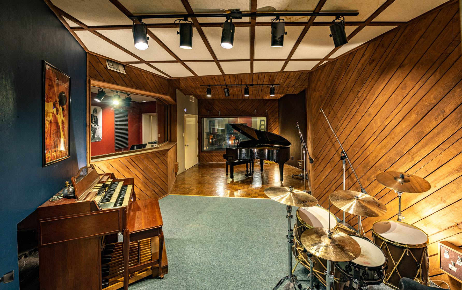 Split Window Studios - Recording Studio - 400 W Main Street, Denison, TX
